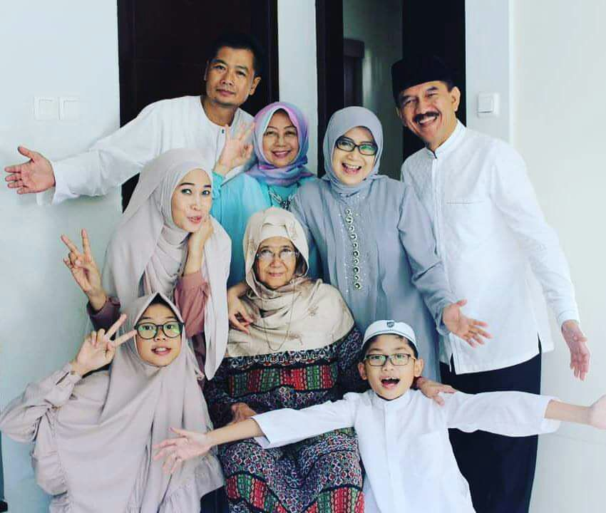 Photo of Dimata Yayat Soemitra Almarhumah Sosok Luar Biasa