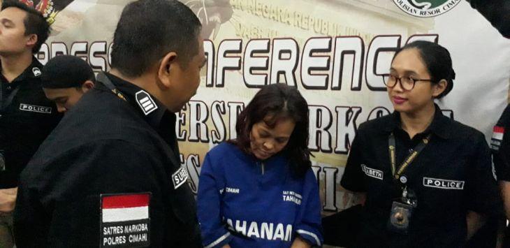 Photo of Janda Beranak Tiga Jadi Kurir Narkoba Rp 1,5 Miliar