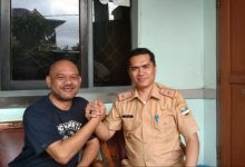 Photo of Clear, Kepala Kesbangpol KBB Datangi Rumah Ketua PP Deniswara