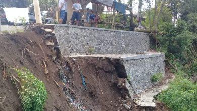 Photo of Belum Setahun, Proyek Kirmir di Desa Kertamulya Ambruk