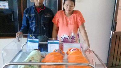 Photo of Bayi Kembar Tiga Warga Cikalongwetan Lahir di Tengah Wabah Corona