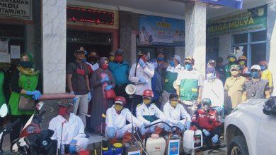 Photo of Dewan Nasdem Temukan Sekeluarga di Kertamukti Sakit Sudah Seminggu