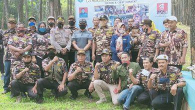 Photo of Demi Keutuhan Organisasi, FKPPI Rayon Cipatat Bagikan Sembako
